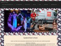 Spijkerbed show, lopen over glas show, slangenshow, vuur show, Fakir