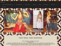 Fakirfeest.nl - Fakir feest - Vrouwelijke fakir , lopen op zwaardeen, liggen en rollen op gebroken glas, liggen op een spijkerbed, dansen met mijn slangen slangenshow